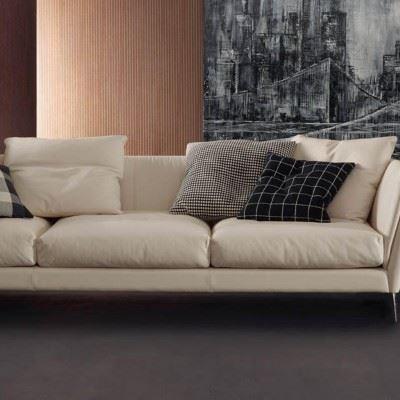 Rivenditore autorizzato divani Poltrona Frau | Ronchi è Abitare